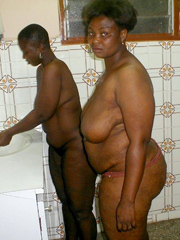 Chubby black mom in this amateur nude..